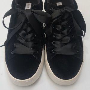 Steve Madden Bertie Velvet Platform Sneakers 9